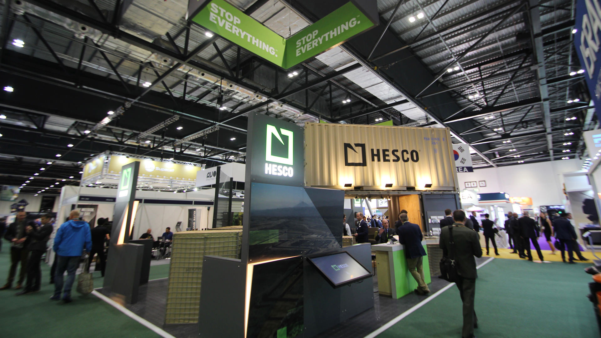 shipping_container_exhibition_stand_04.jpg