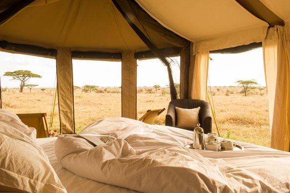 Namiri-Plains-Guest-Bedroom-Detail-Paul-Joynson-Hicks-LR2.jpg
