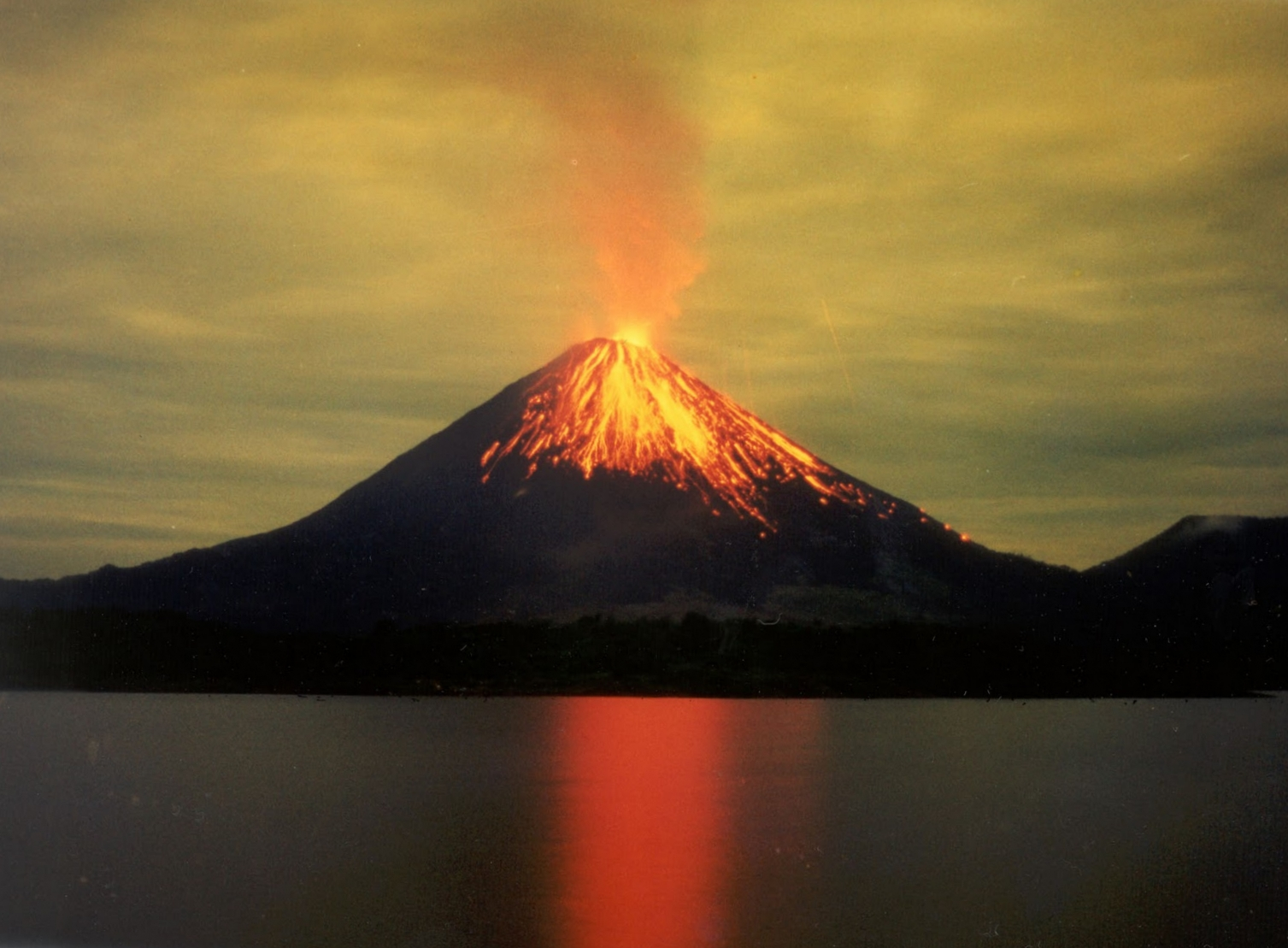 vocano eruption.jpg