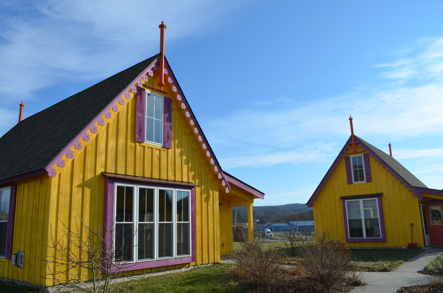 Boiceville-Cottages-Yellow.jpg