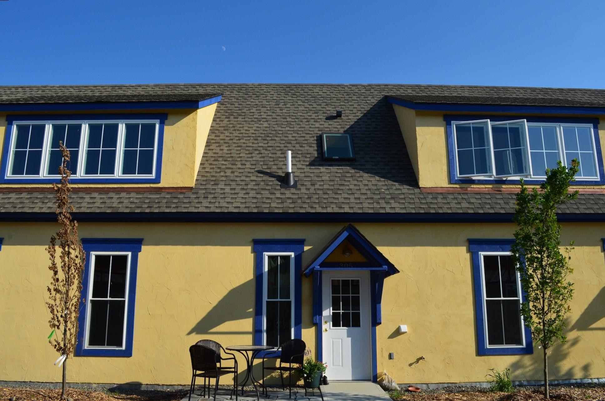 boiceville-cottages-yellow-gatehouse.jpg