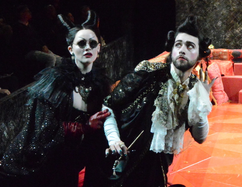 Narciso & Pallante spy on Claudio