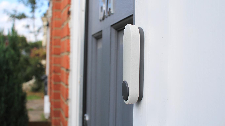 3_button_on_door.jpg