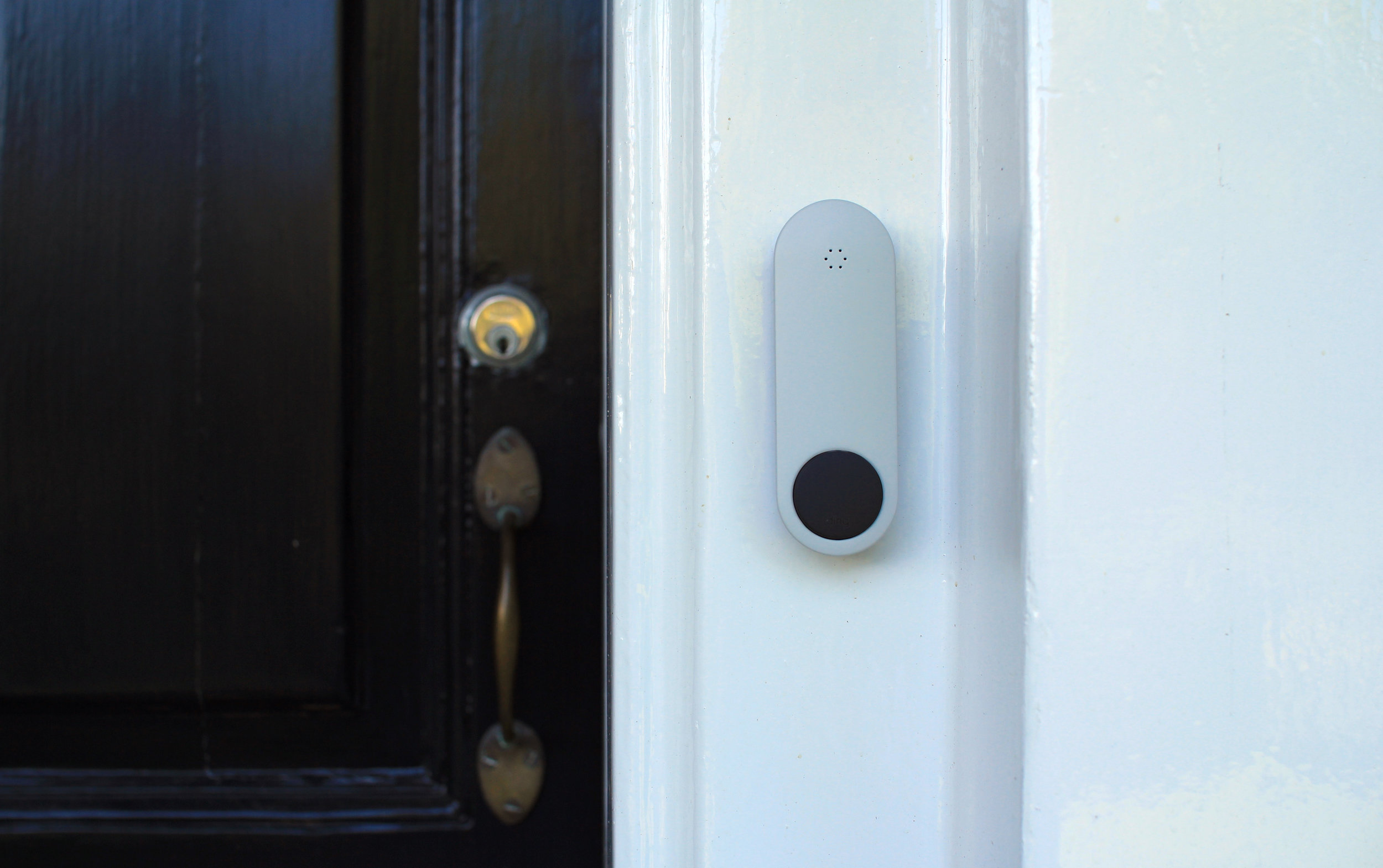 ding_button_doorframe.jpg