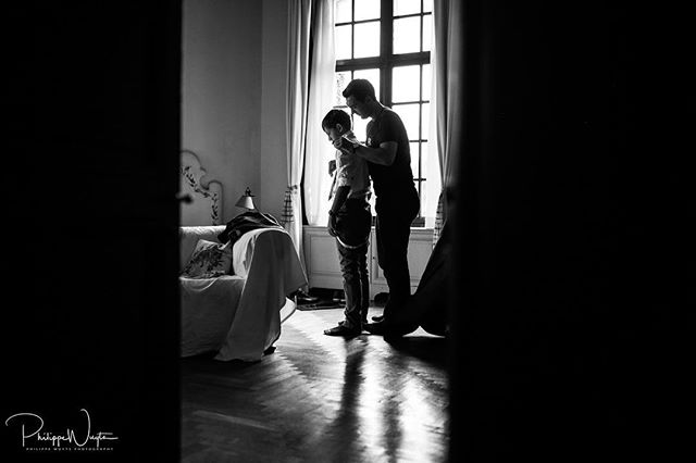 Dressing up his son for his wedding :) #huwelijk #verloofd #huwelijksfotograaf #weddingphotographer #weddingphotography #destinationwedding #destinationweddingphotographer #ocean #bluewater #canon #weddingdress #weddingring #sayyes #bruidsmagazine #mywed #mywedding #weddingplanner #trouweninhetbuitenland #trouwen #trouwerij #trouwfoto #huwelijksfotografie