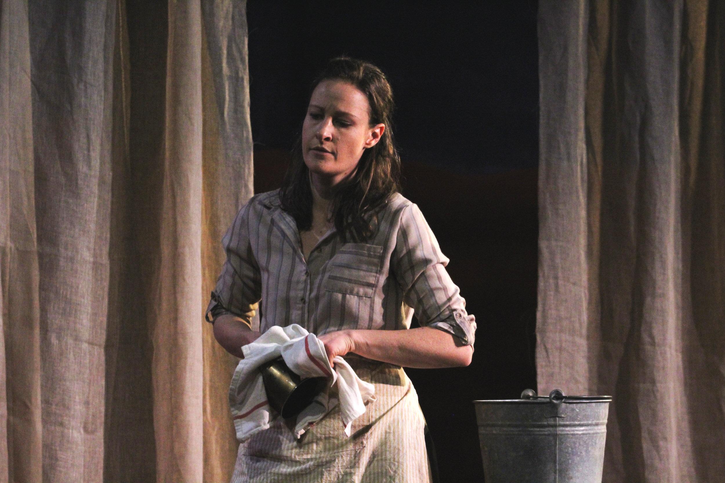 Leah Gabriel (Nora)