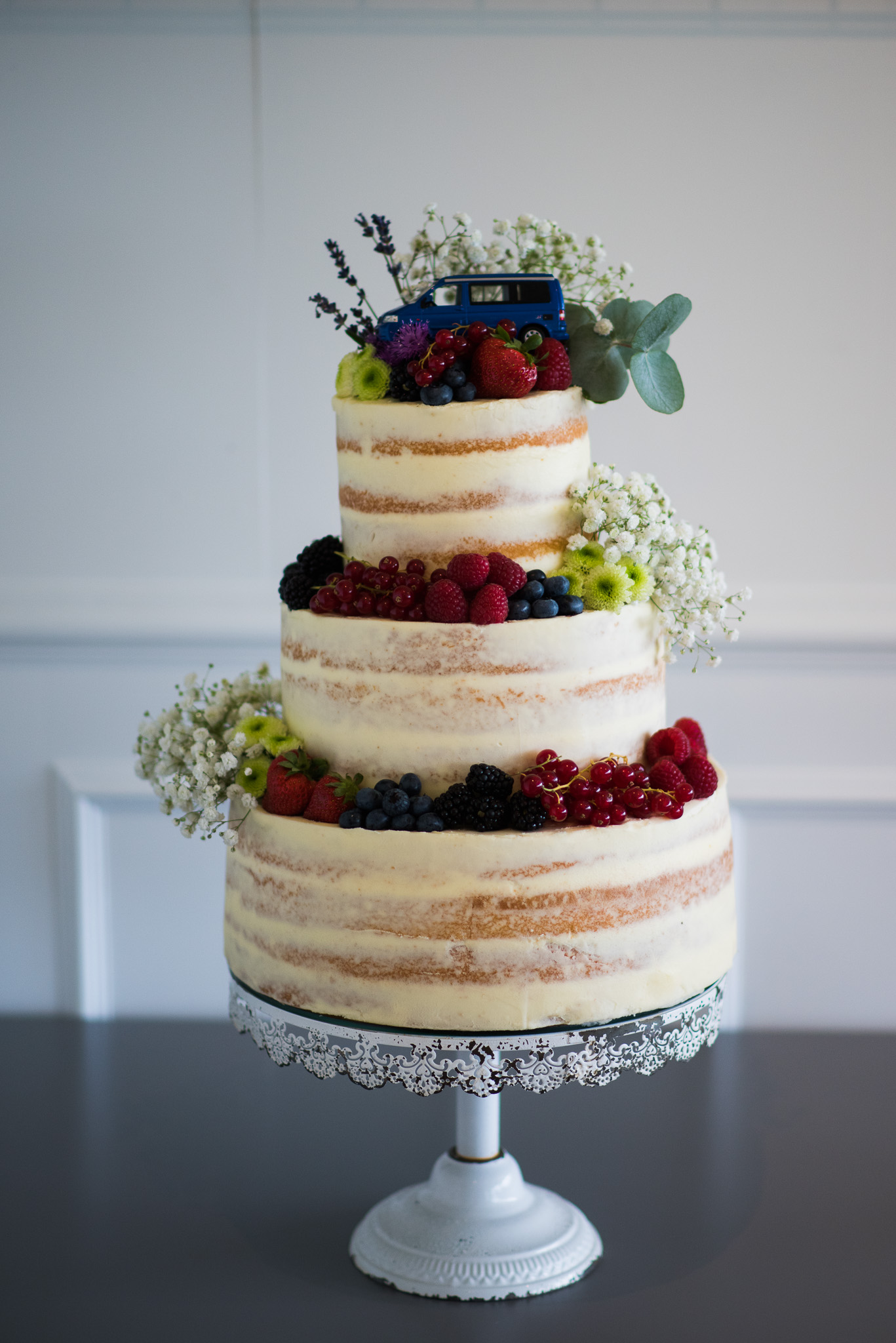 Three Sisters Bake Wedding Cake