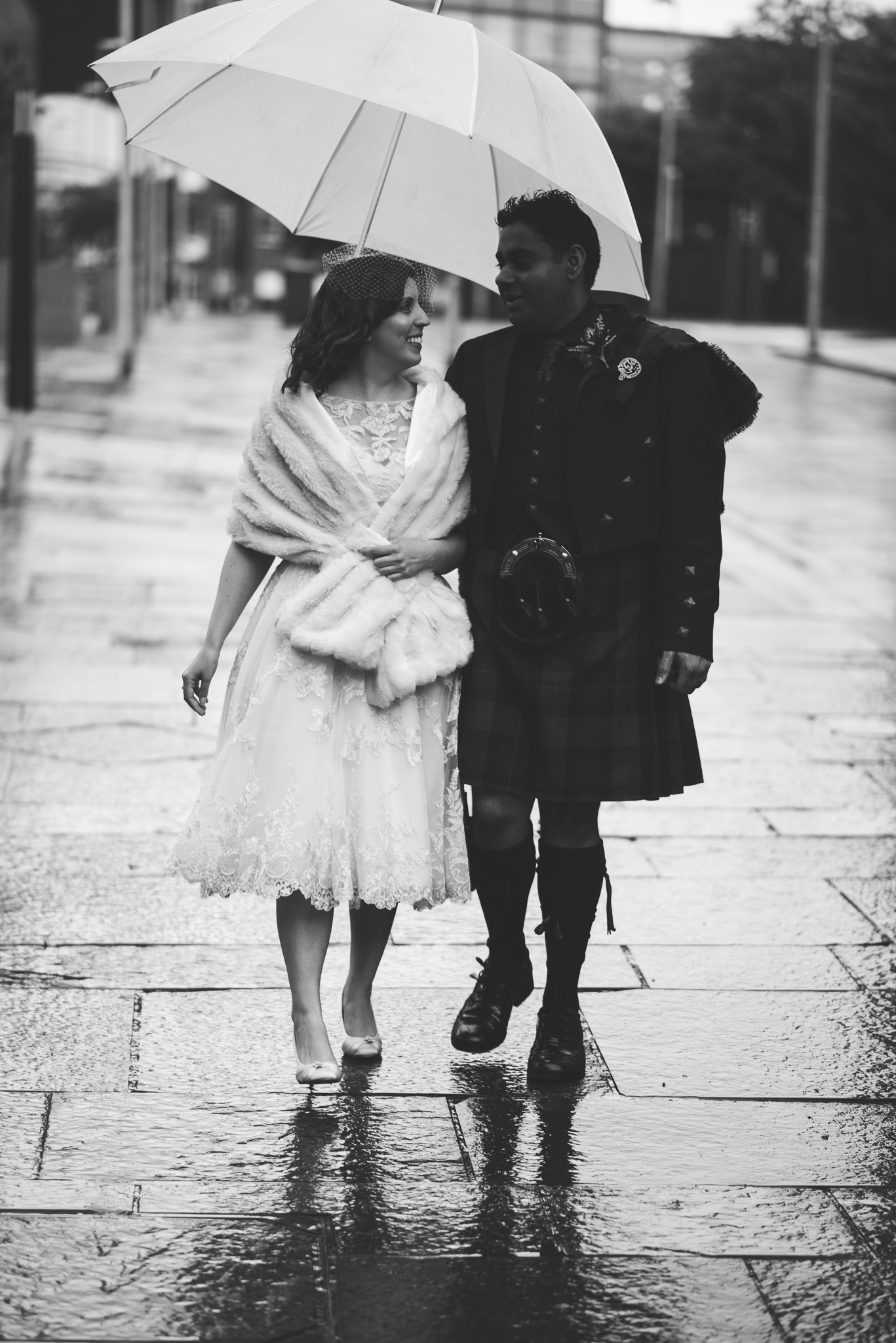 Wedding couple in Glasgow Merchant City
