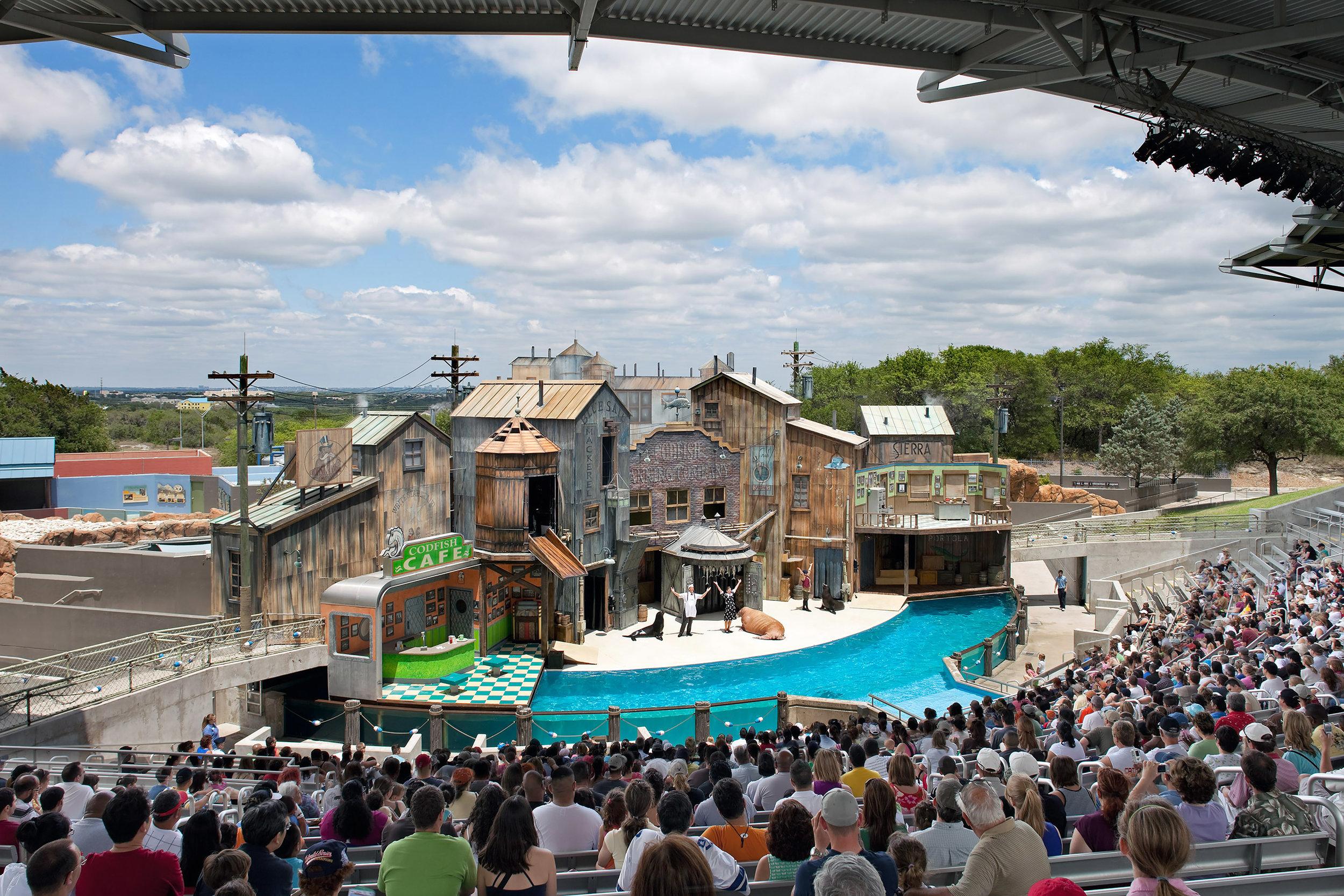 Exterior View: Seaworld Amphitheater