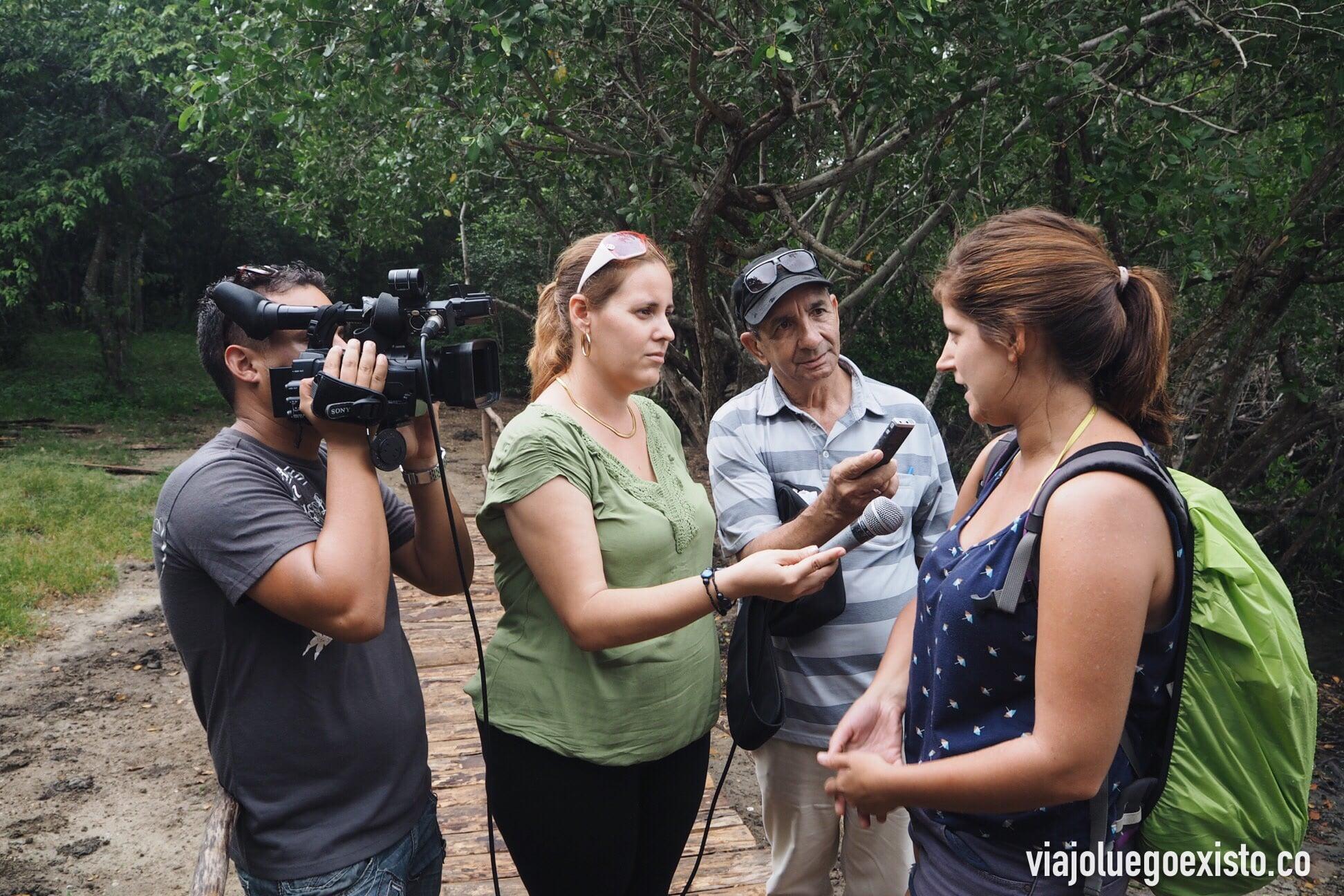 La televisión pública cubana entrevistando a Tam.