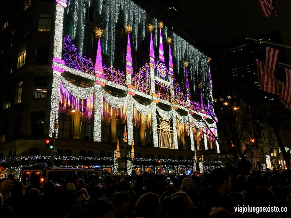 El espectáculo de luces y música de Saks, muy cerca del Rockefeller