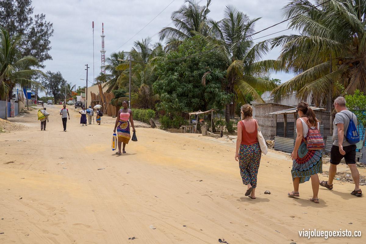 Paseando por Vilanculos, hay muchas calles sin asfaltar