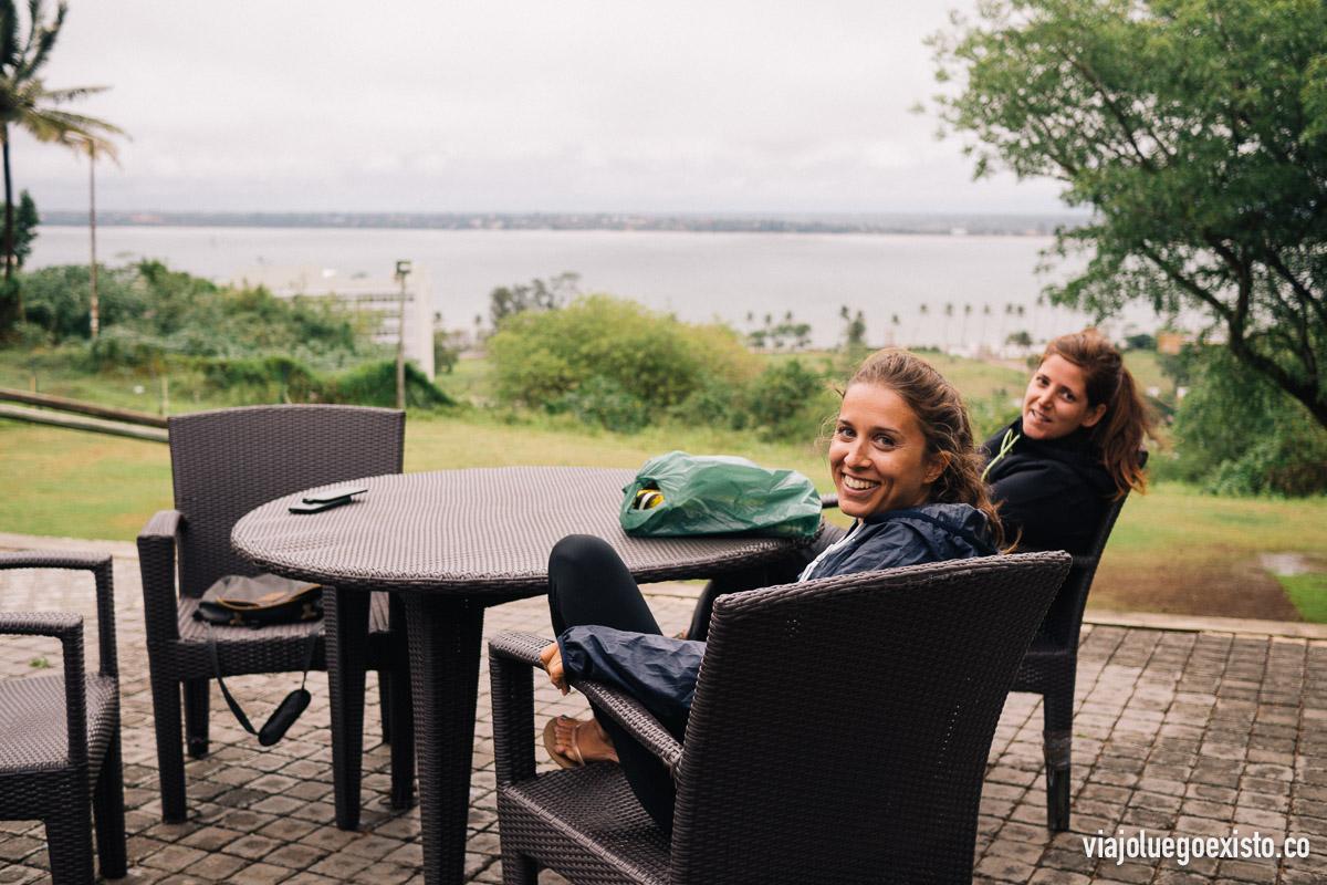 Vistas a la bahía de Maputo desde el Acacia Cafe