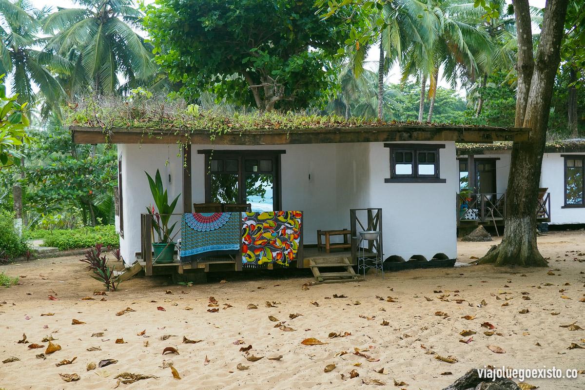 Nuestra cabaña a pie de playa en Praia Jalé