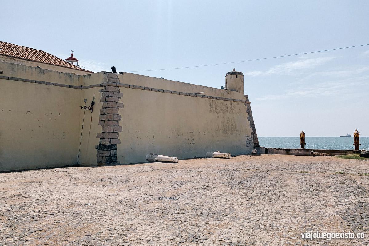 Fuerte de Sao Sebastiao desde fuera, una visita muy recomendada.