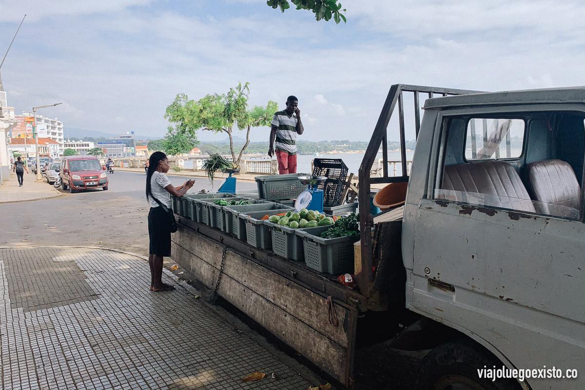 Además de en el mercado, así se vende fruta y verdura en Santo Tomé