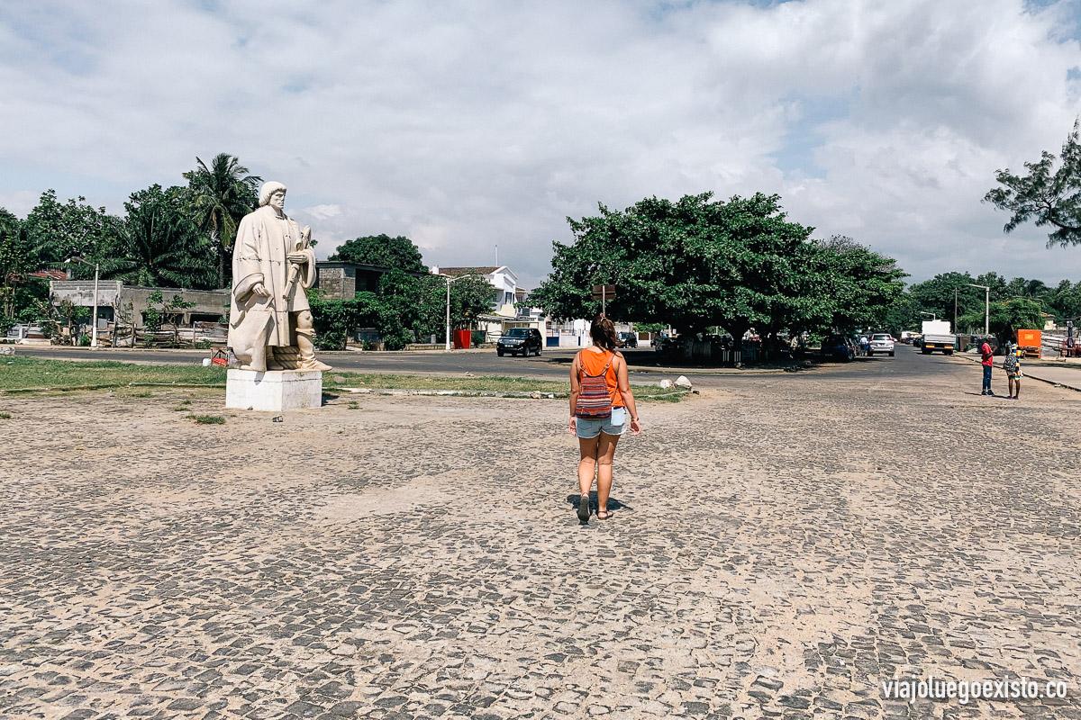 Saliendo del Fuerte de Sao Sebastiao