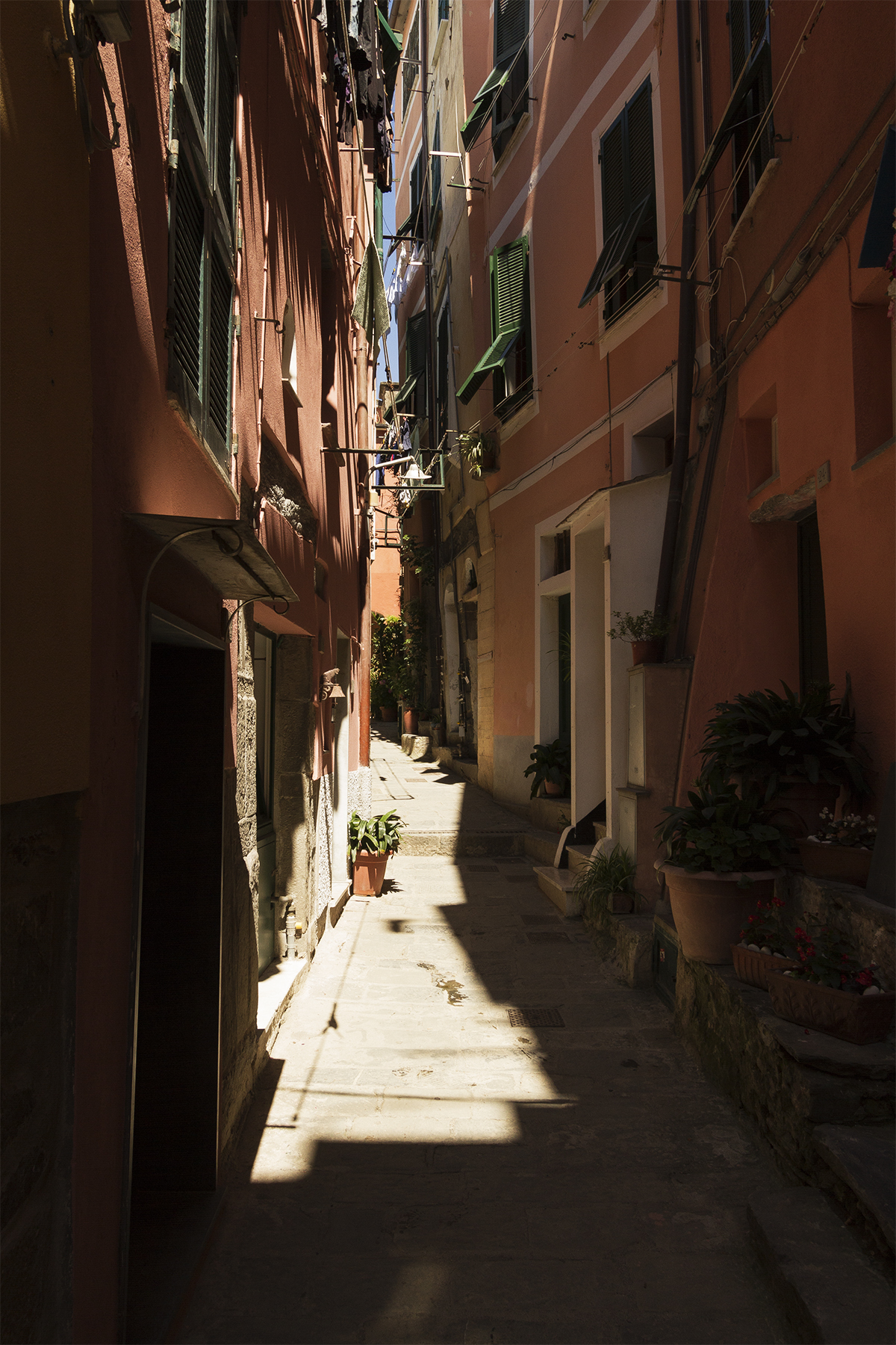 One of the many narrow alleyways of Riomaggiore