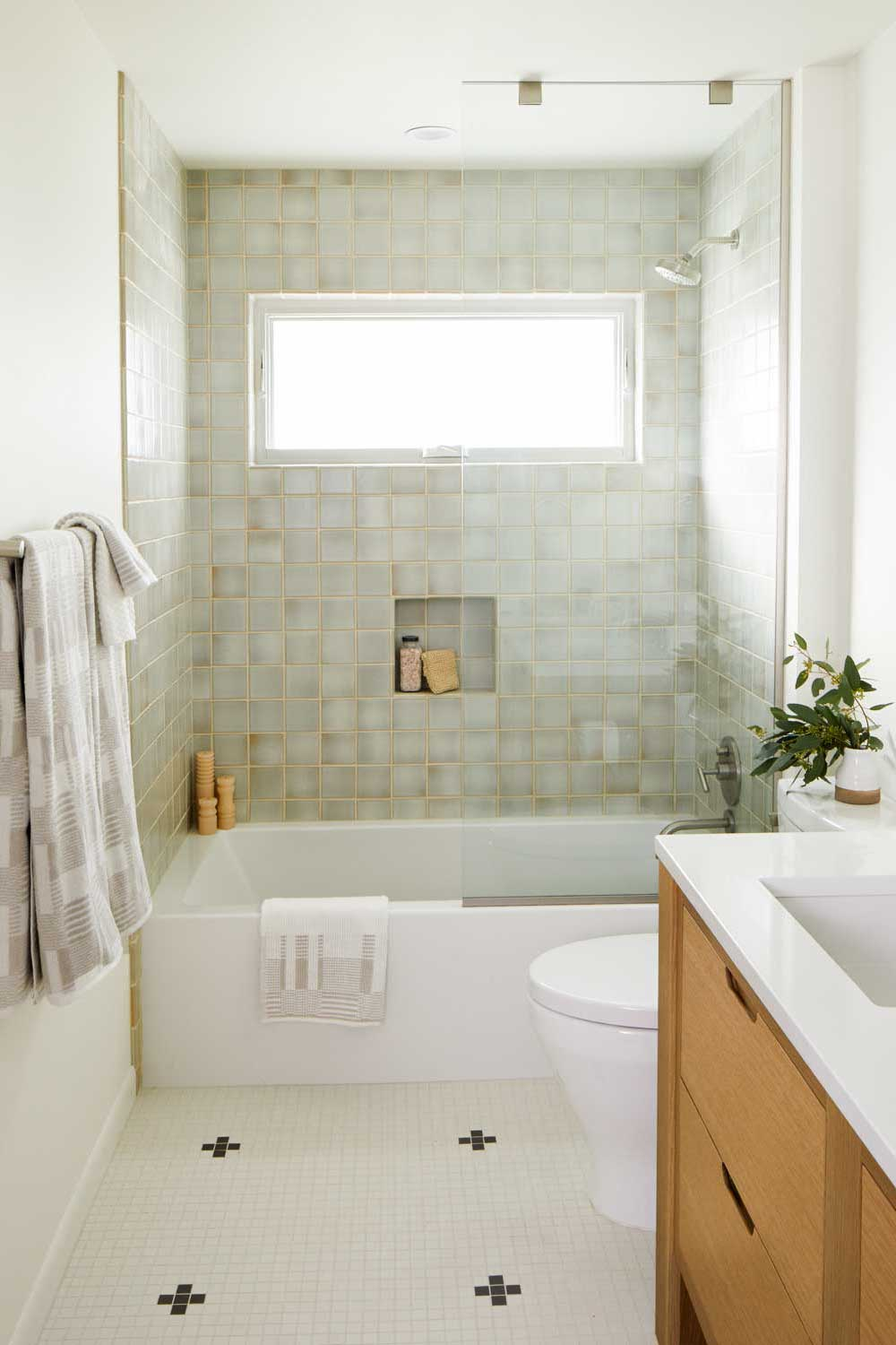 casework interior design - minimal master bath photo george barbaris