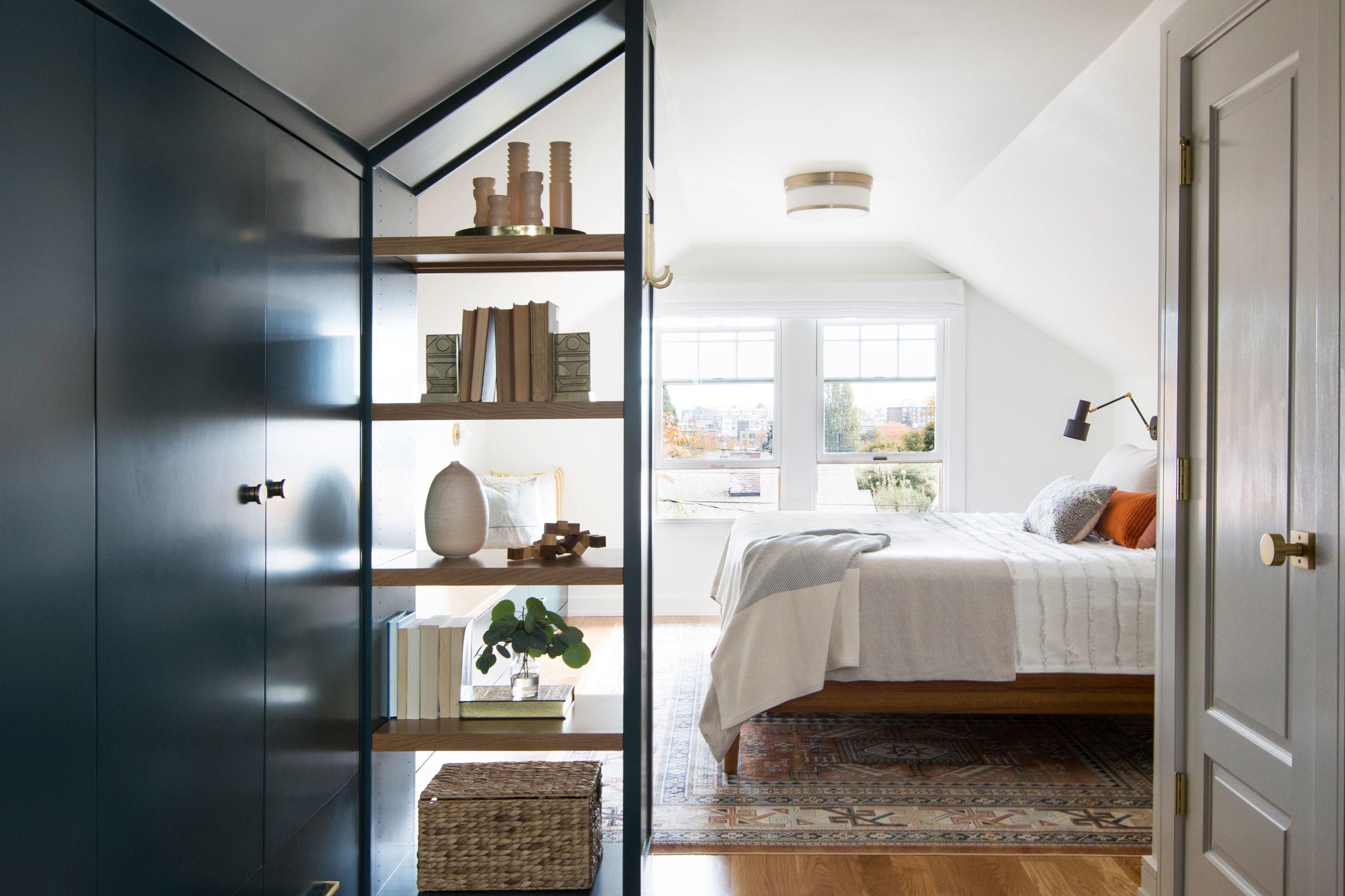 Casework_Wallingford_Master Bedroom_01.jpg