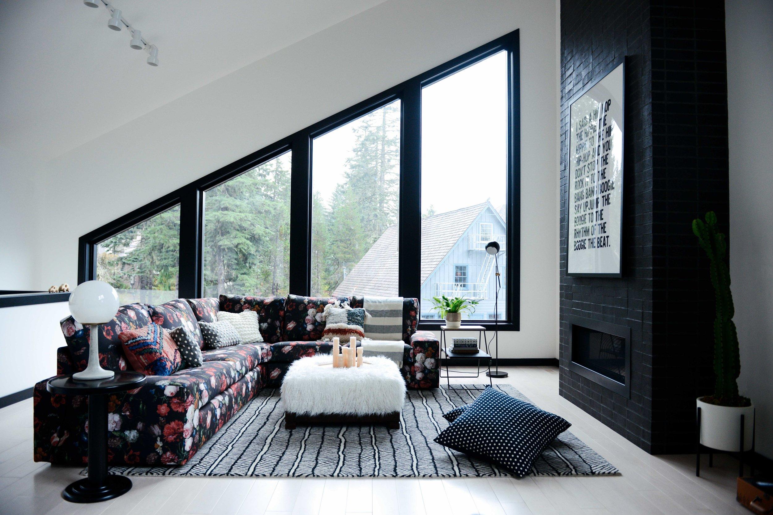Casework_Fritsch Cabin_Living room_02.jpg