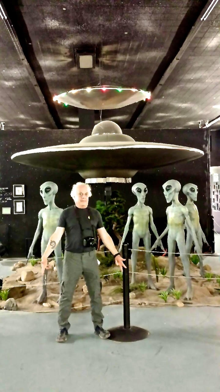 Ken at the Roswell Museum