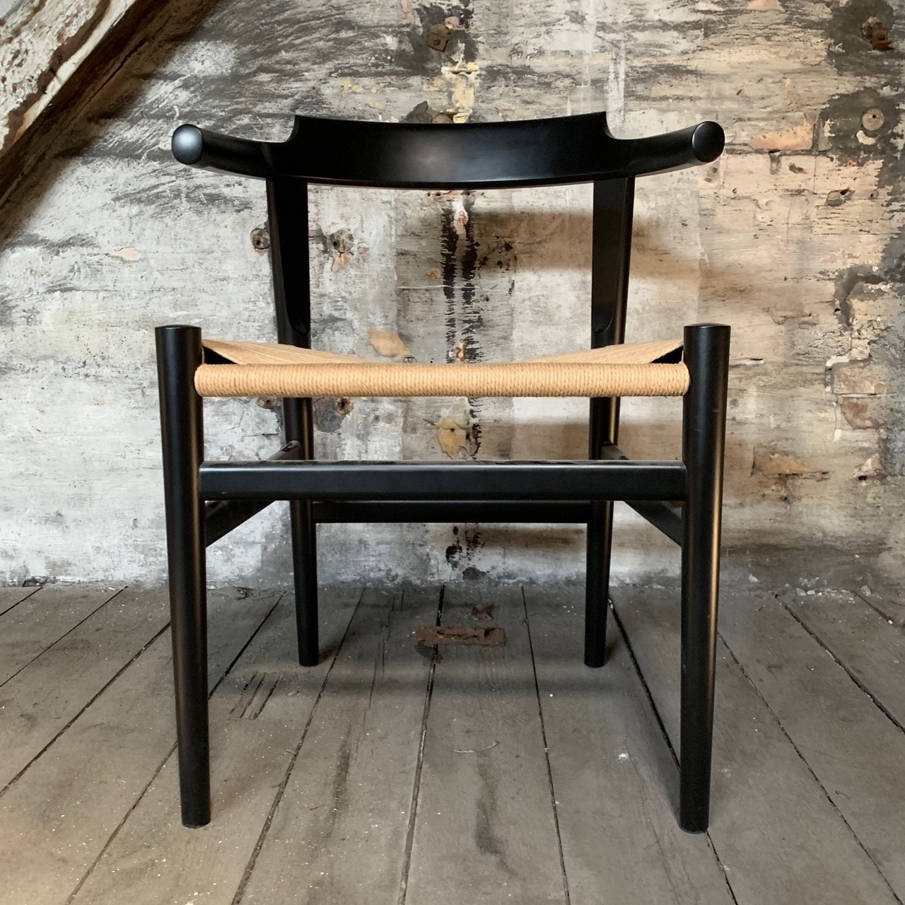 Hans. J. Wegner. Armstol, 'The chair' 'Den runde stol', model PP503, limited edition