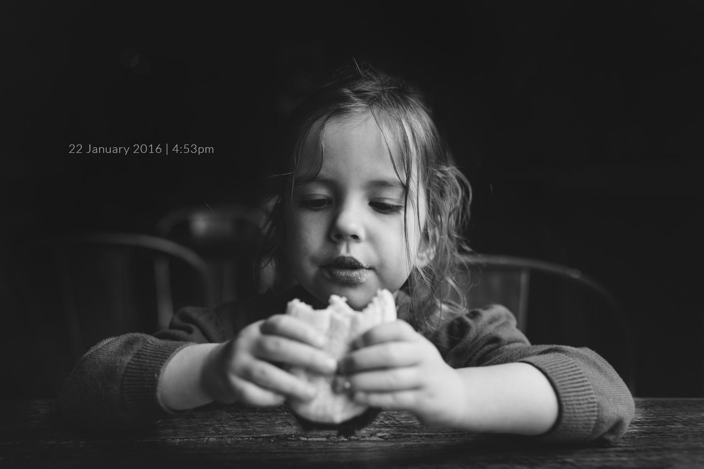 girl-eating-hamburger-child-photoraphy-photo-a-day-project-day-22.jpg
