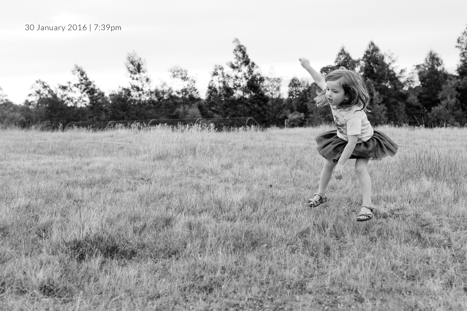 girl-jumping-family-photography-photo-a-day-project-day-30.jpg