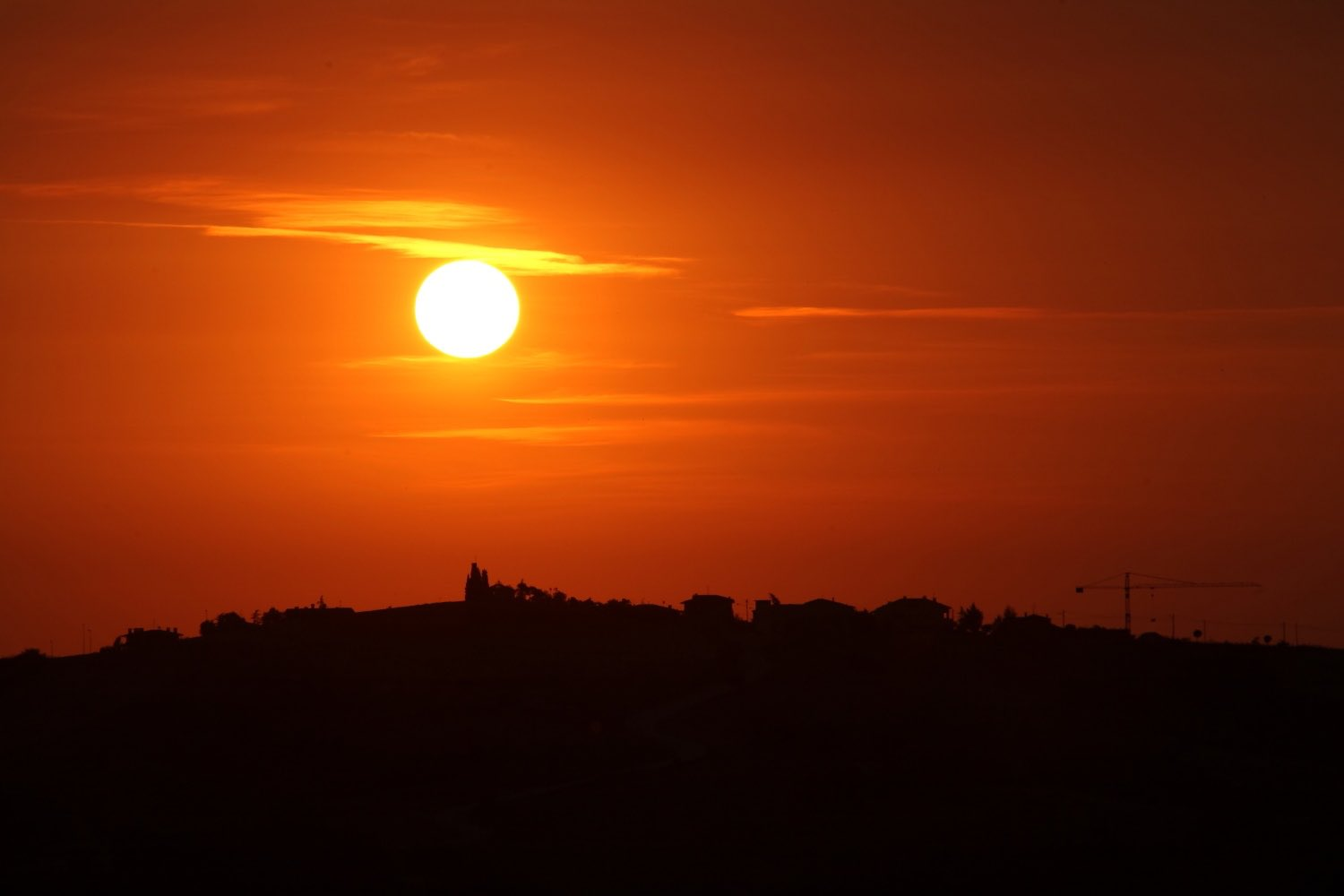 Torraccia Sunrise!    Rep. of San Marino. 31 July 2008. 1/320 s, f/11, ISO 100, 300 mm, EOS 5D + EF 28-300 L