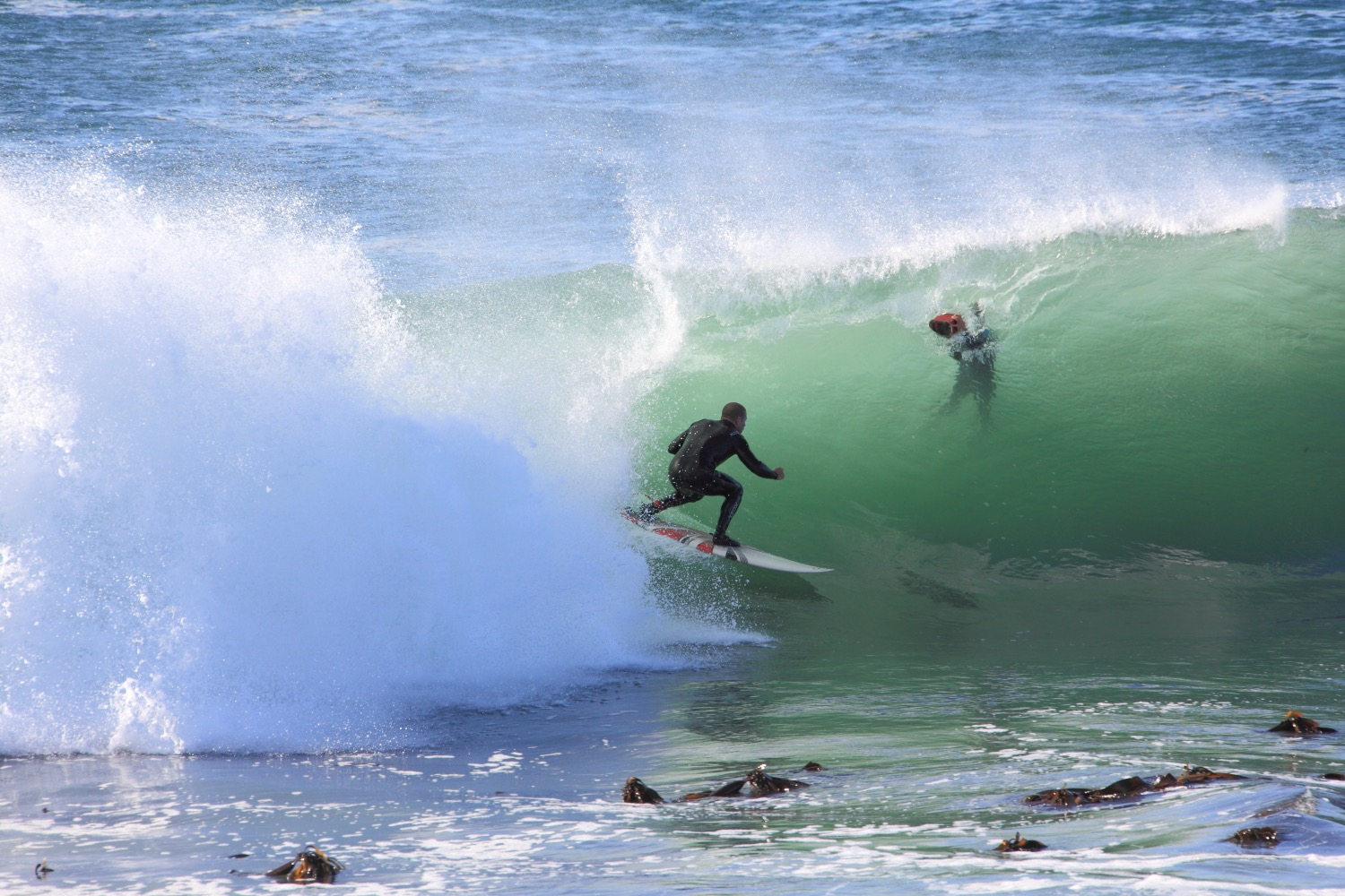 Surf in South Africa!    South African surfers... 05 March 2012. 1/640 s, f/9, ISO 320, 300 mm, EOS 5D MkII + EF 28-300 L