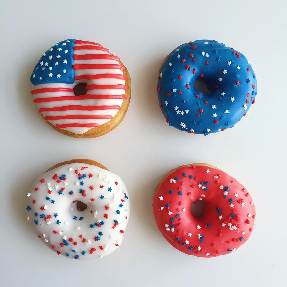 Independence day donuts: vanilla bean icing