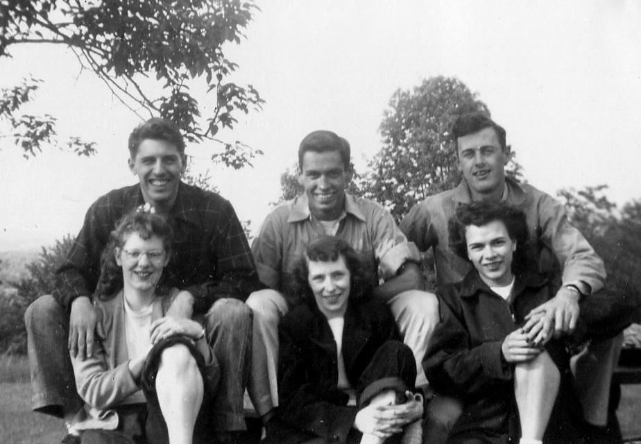 1940s-teenagers.jpg
