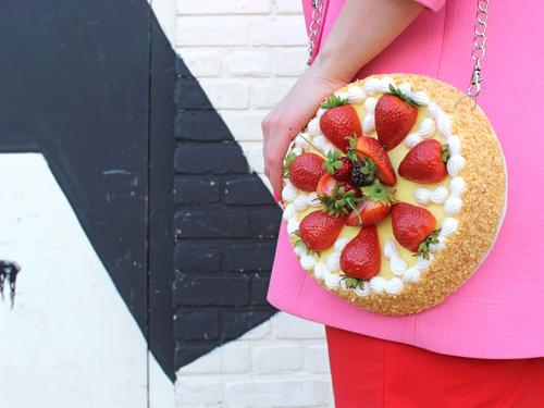 STRAWBERRY CAKE CLUTCH BAG.jpg