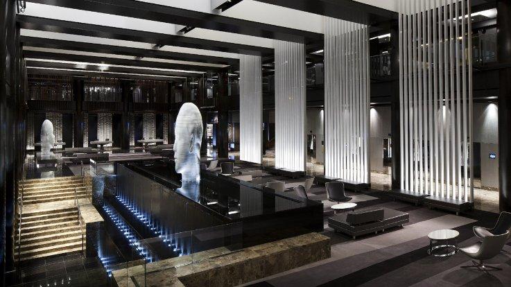 Grand Hyatt Hotel Lobby Fountain.png