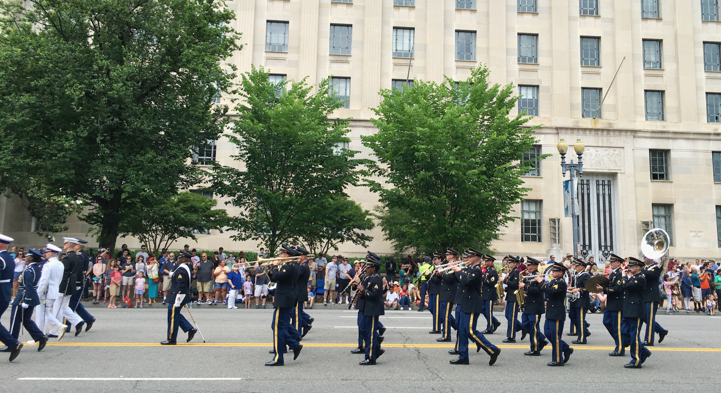 washington-dc-memorial-day-parade-2016.png