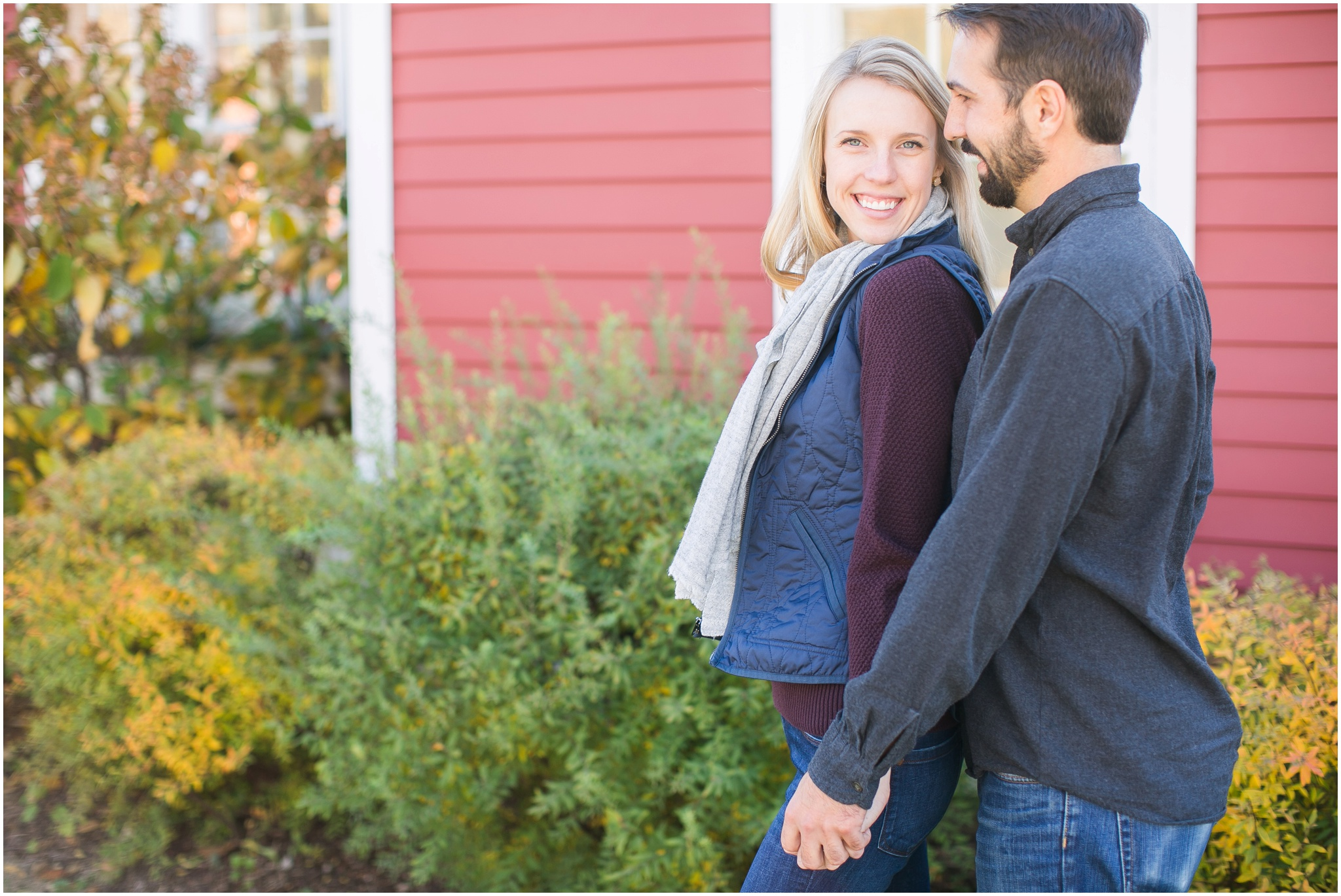 Milwaukee_Wisconsin_Fall_Engagement_Session_0011.jpg