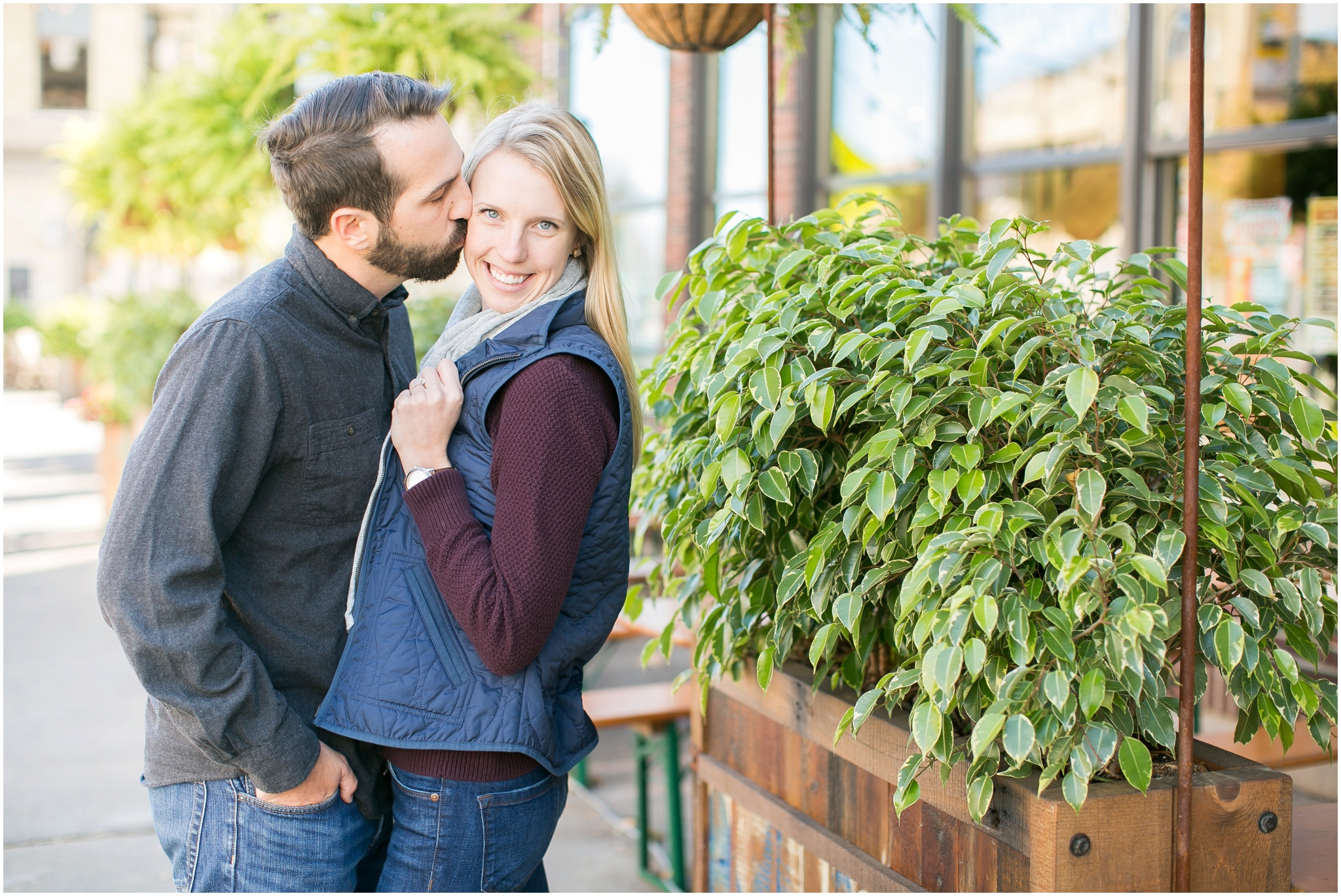Milwaukee_Wisconsin_Fall_Engagement_Session_0023.jpg
