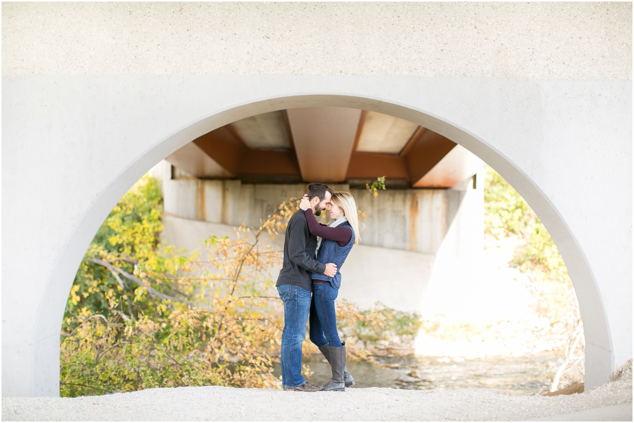 Milwaukee_Wisconsin_Fall_Engagement_Session_0028.jpg
