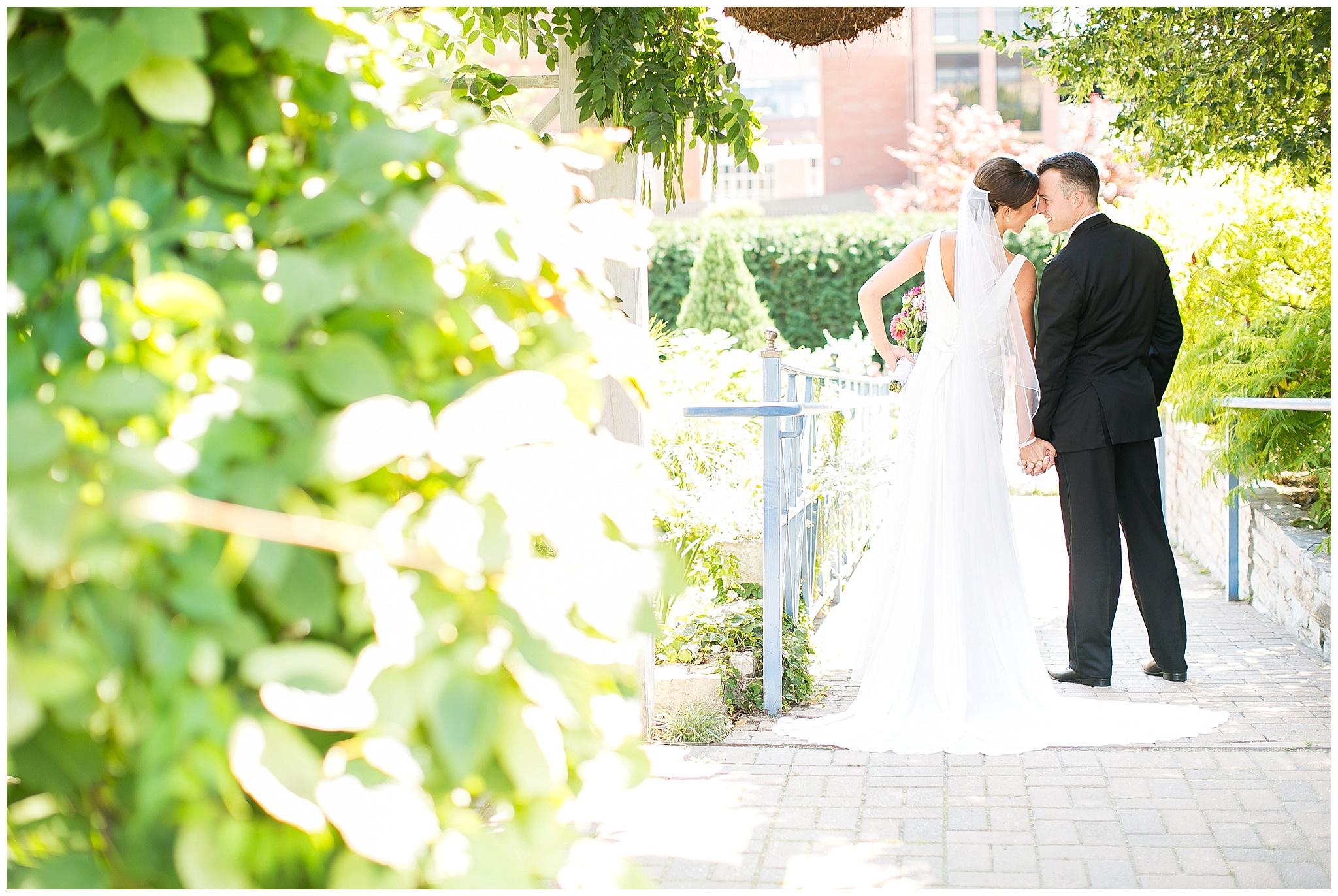 Madison_Wisconsin_Wedding_Photographers_0046.jpg