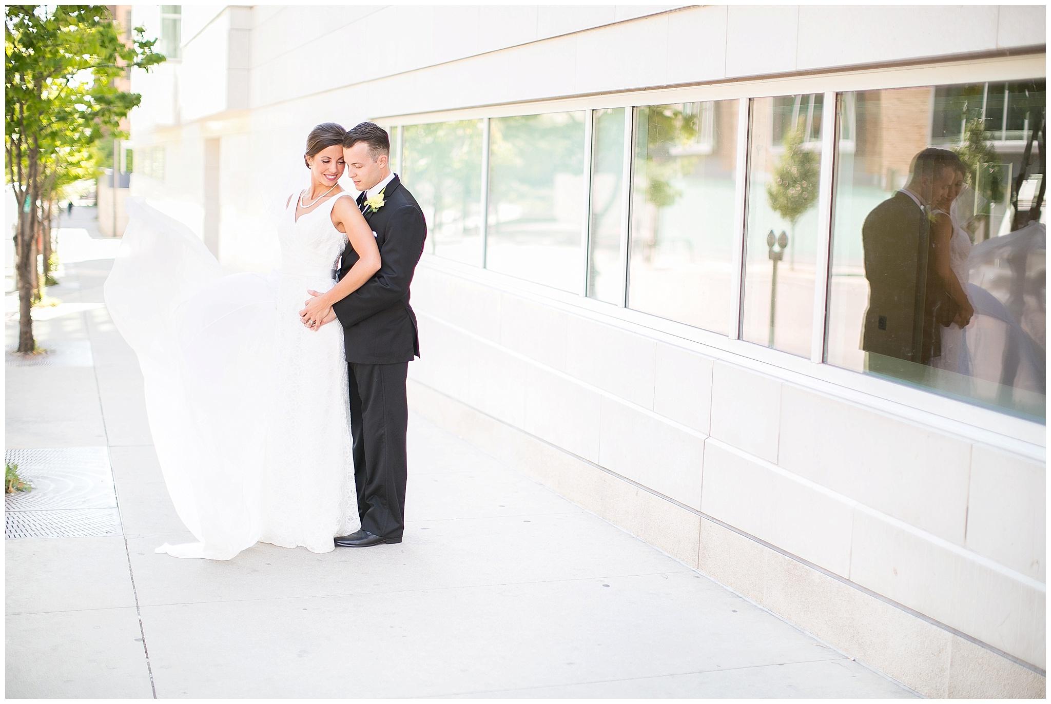 Madison_Wisconsin_Wedding_Photographers_0056.jpg