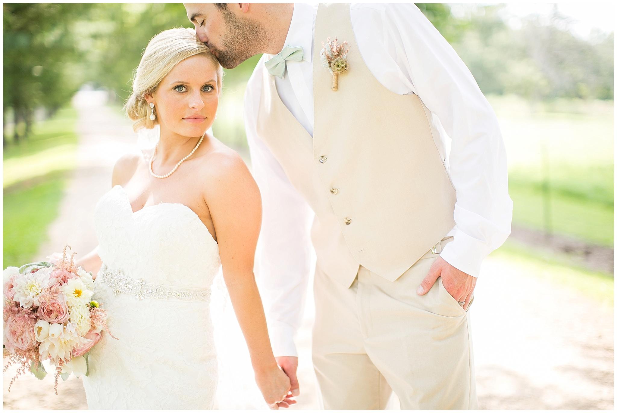 Madison_Wisconsin_Wedding_Photographers_0066.jpg