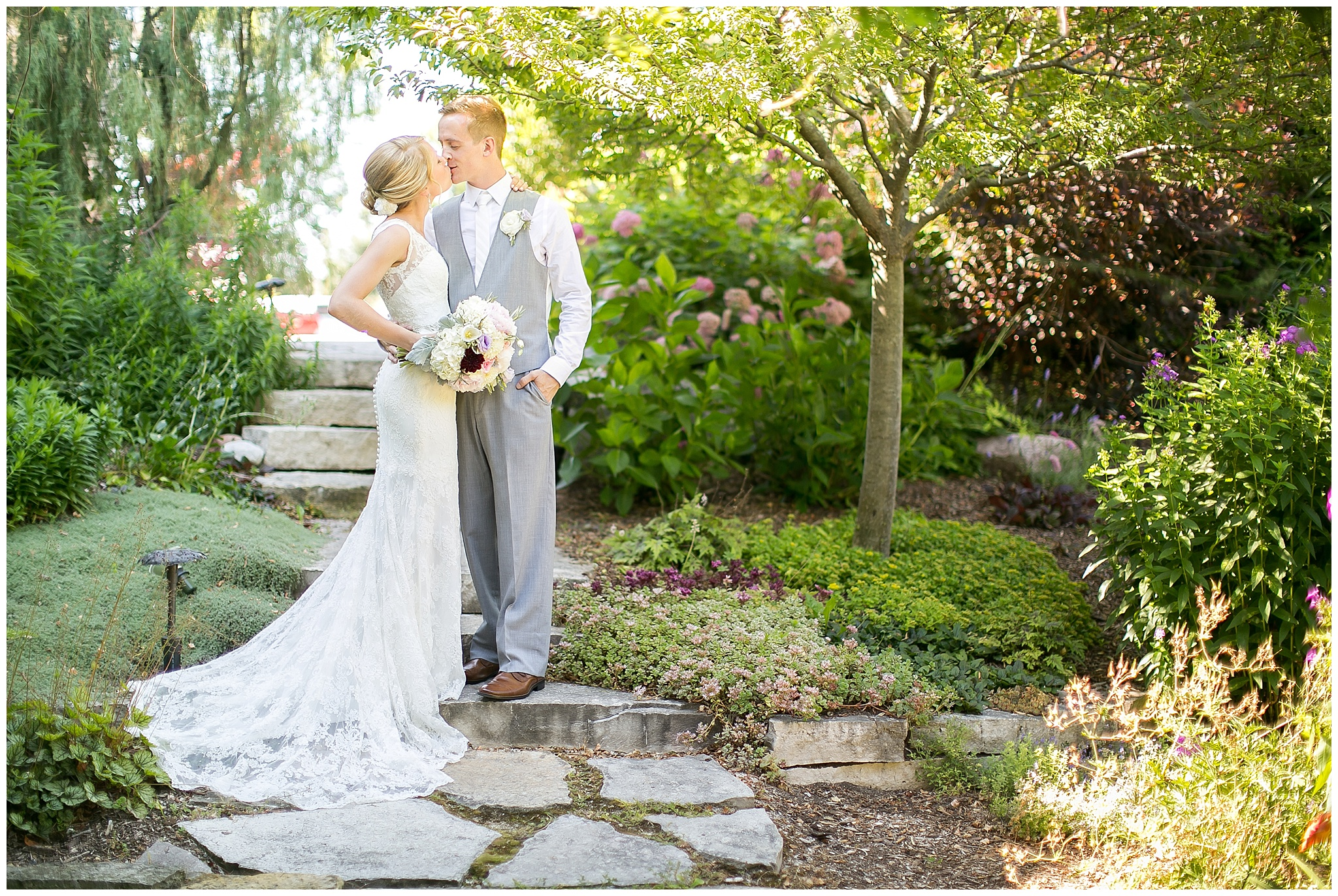 Madison_Wisconsin_Wedding_Photographers_0069.jpg