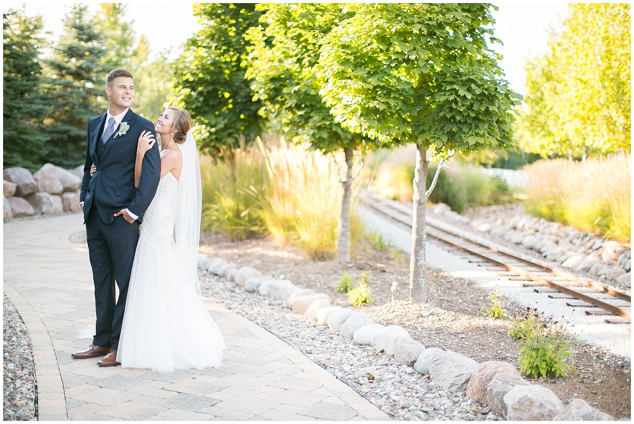 Madison_Wisconsin_Wedding_Photographers_0102.jpg