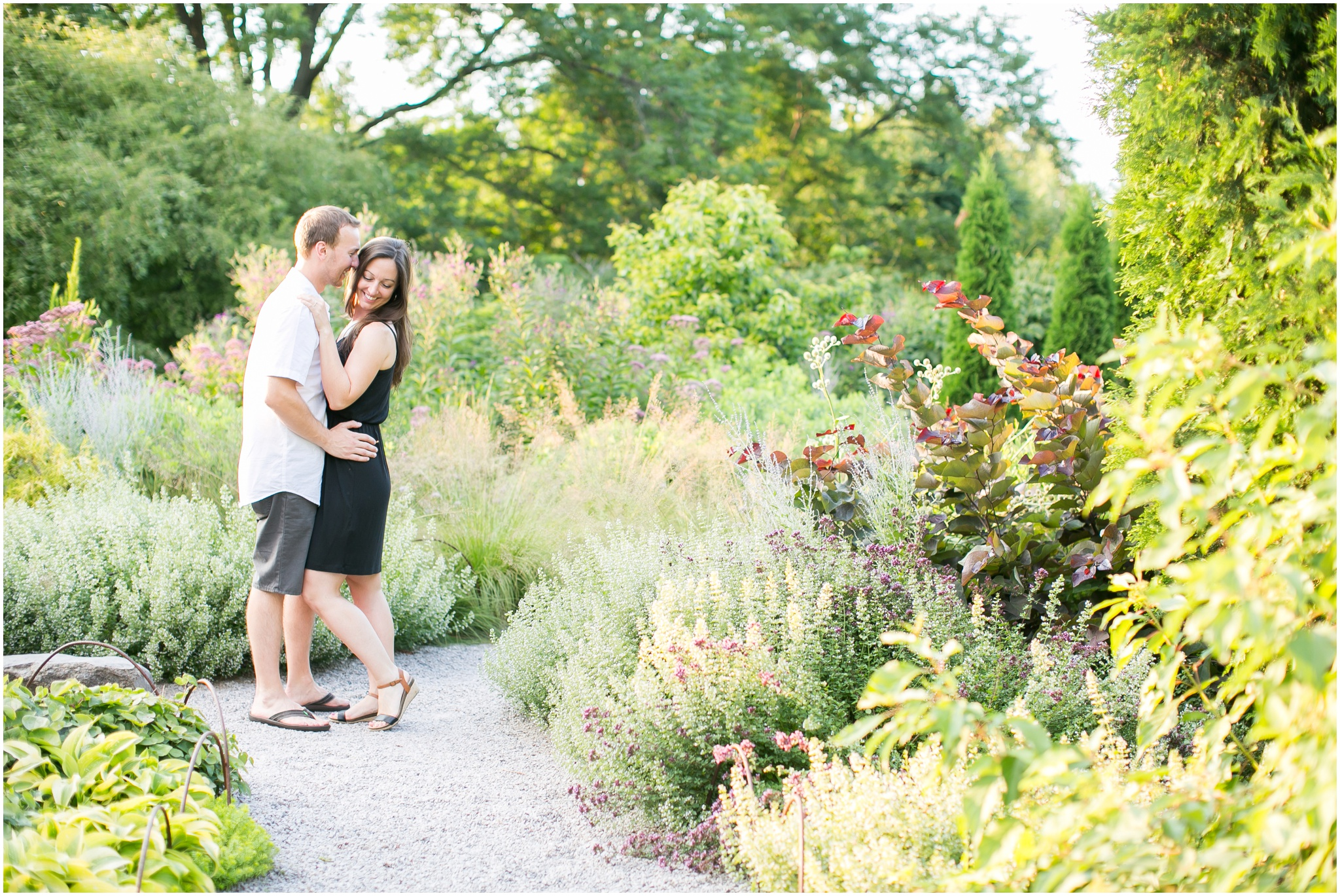 Olbrich_Botanical_Gardens_Madison_Wisconsin_Engagement_Session_0825.jpg