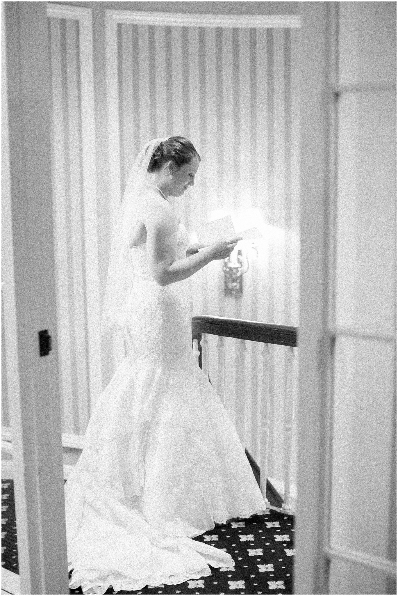 Madison_Club_Madison_Wisconsin_Wedding_Photographer_Spring_Rainy_Wedding_2587.jpg
