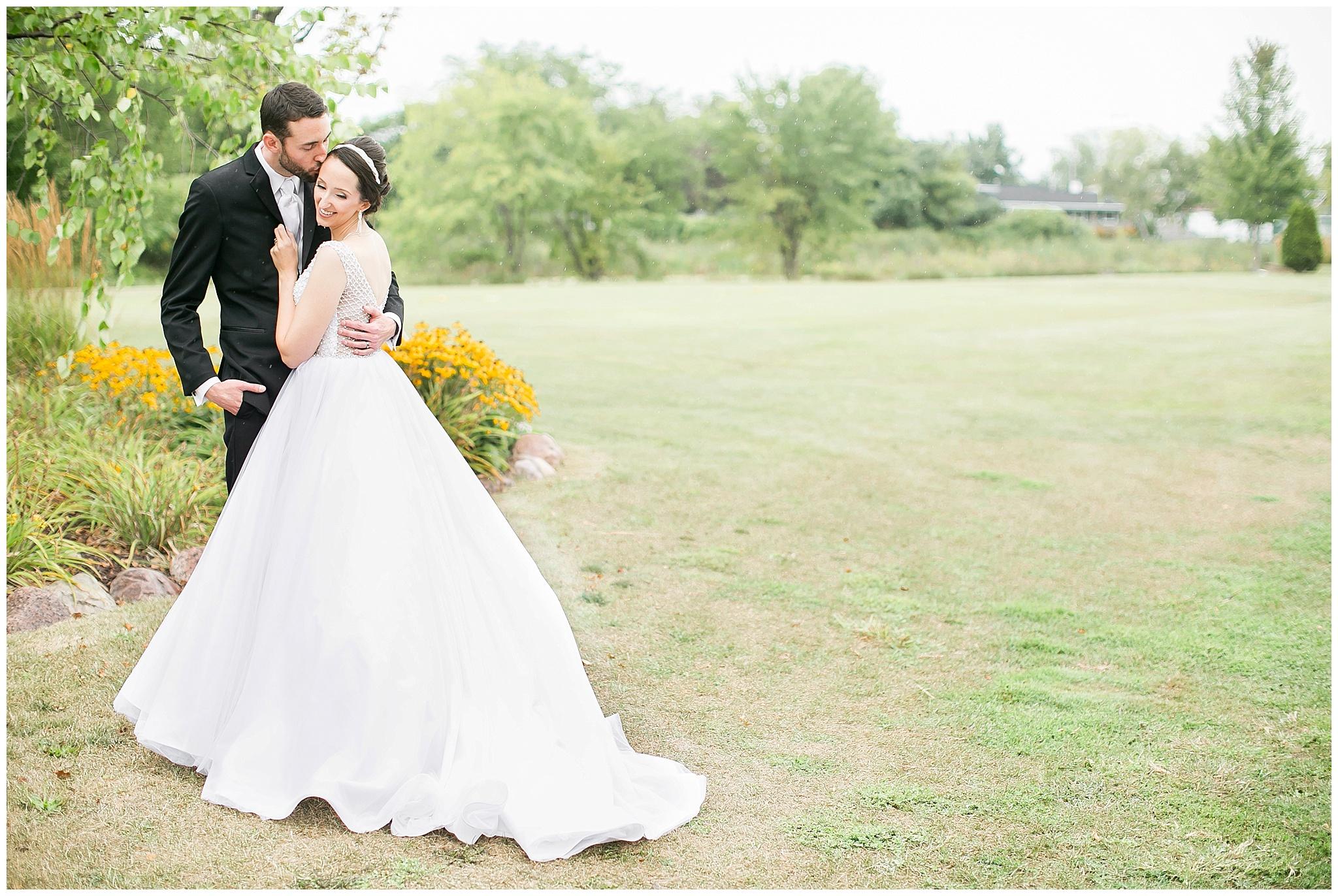 bridgewood_resort_wedding_neenah_wisconsin_0340.jpg