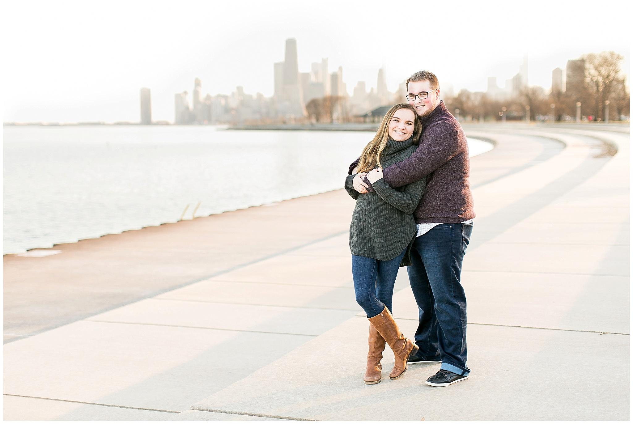 Chicago_Engagement_and_wedding_photographer_chicago_skyline_0975.jpg