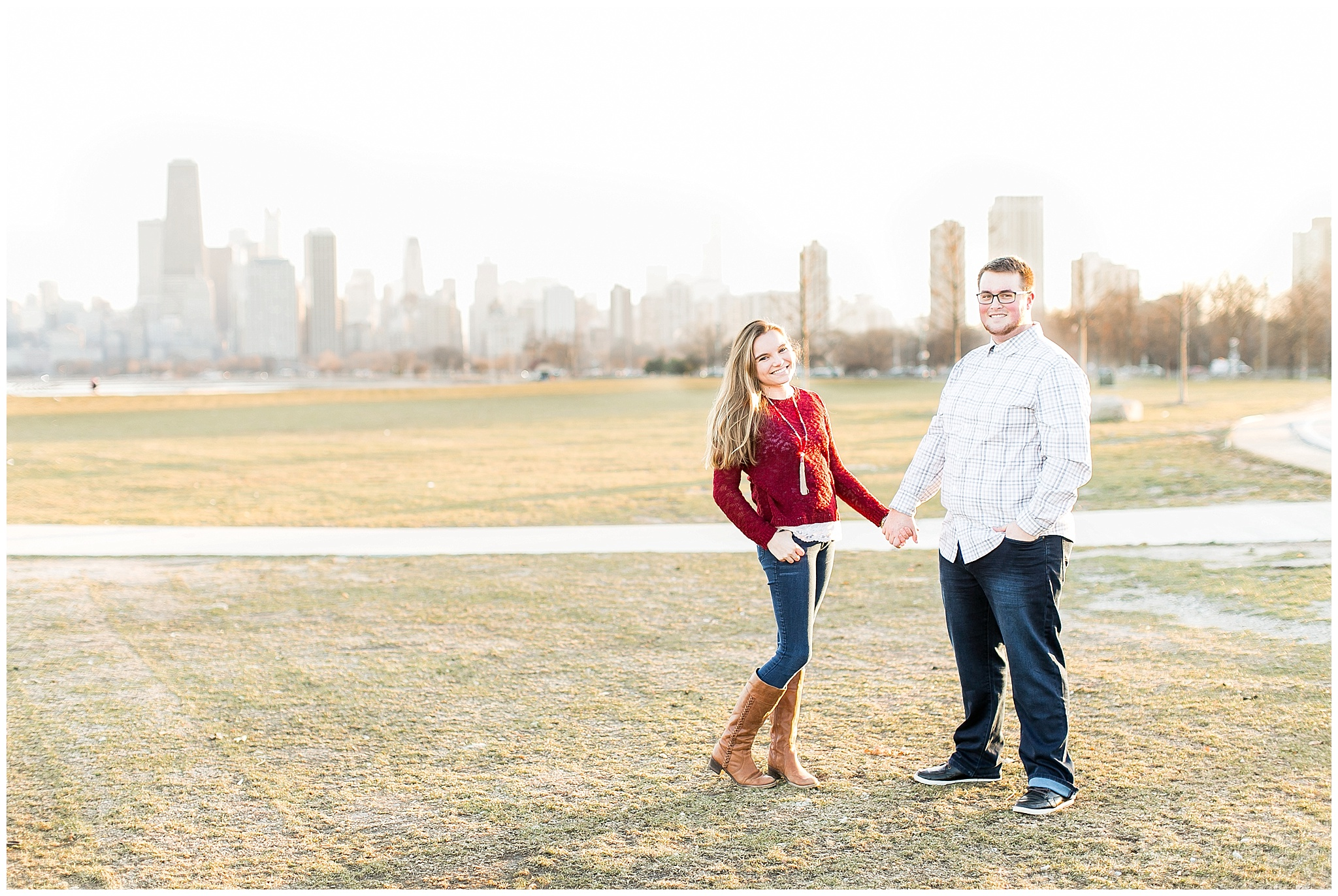 Chicago_Engagement_and_wedding_photographer_chicago_skyline_0986.jpg