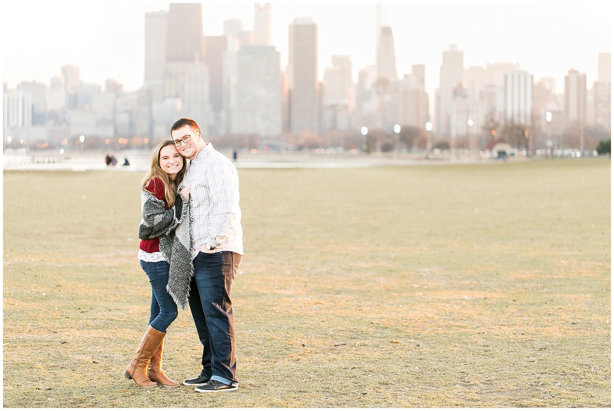 Chicago_Engagement_and_wedding_photographer_chicago_skyline_1002.jpg